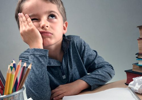 Cómo lidiar con el estrés académico de tus hijos