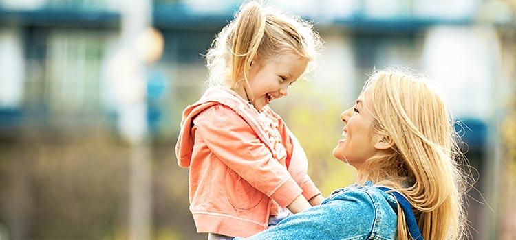 La teoría del apego: cómo influye en nosotros la relación que tenemos con nuestros padres cuando somos niños