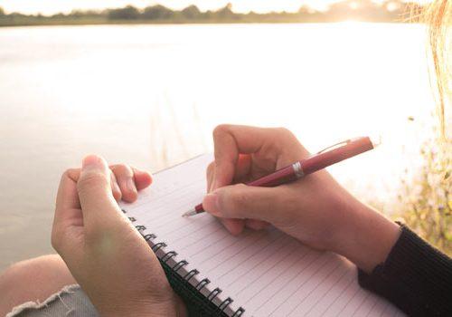 Beneficios de la escritura terapéutica: escribir para sentirse bien